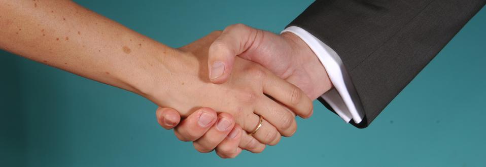 Hyperhidrose Hände Handgeben schwitzen Dr Christoph Schick Deutsches Hyperhidrosezentrum DHHZ